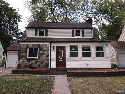 Teaneck Single Family Home For Sale: 1843 Longview Court