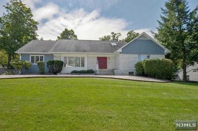 Pompton Lakes Single Family Home For Sale: 26 James Terrace