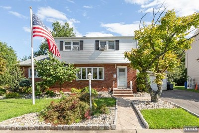 Totowa Single Family Home For Sale: 19 Sutton Avenue