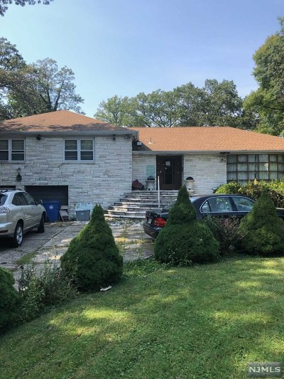 Englewood Single Family Home For Sale: 394 North Woodland Street