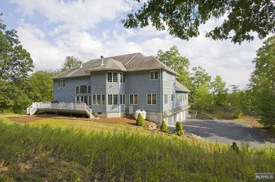 Ringwood Single Family Home For Sale: 68 Crescent Drive