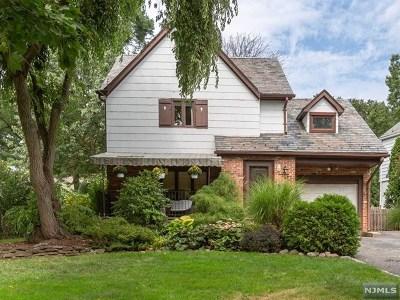 Glen Rock Single Family Home For Sale: 19 Oak Knoll Road