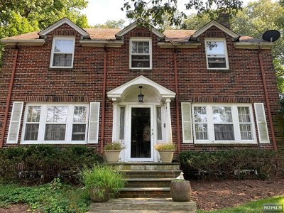 Essex County Single Family Home For Sale: 107 Fells Road