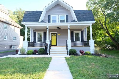 Hillsdale Single Family Home For Sale: 17 Prospect Place