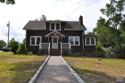 Montvale Single Family Home For Sale: 12 Franklin Avenue