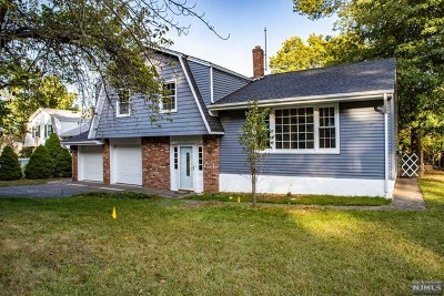 Westwood Single Family Home For Sale: 73 Mountain Avenue