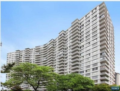 Fort Lee Condo/Townhouse For Sale: 2100 Linwood Avenue #3s