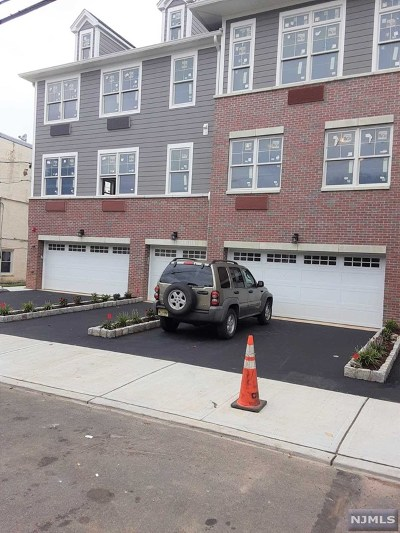 Cliffside Park Condo/Townhouse For Sale: 237 Lincoln Avenue #101