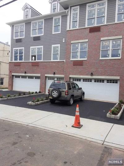 Cliffside Park Condo/Townhouse For Sale: 237 Lincoln Avenue #102