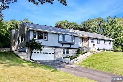 Hawthorne Single Family Home For Sale: 76 Ridge Road