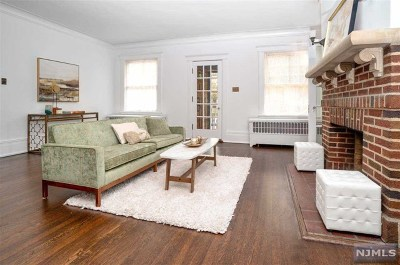 Hudson County Single Family Home For Sale: 57 Bonn Place