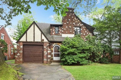 Teaneck Single Family Home For Sale: 363 Briarcliffe Road