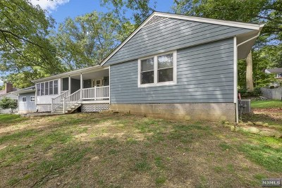Passaic County Single Family Home For Sale: 26 Beverly Road