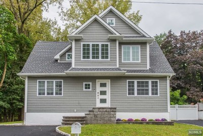 Westwood Single Family Home For Sale: 81 Westwood Boulevard