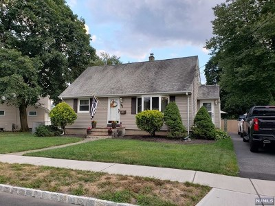 Morris County Single Family Home For Sale: 91 Newbury Place