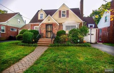Teaneck Single Family Home For Sale: 1674 Fairfield Street