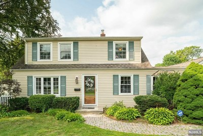 Morris County Single Family Home For Sale: 20 Lynn Place