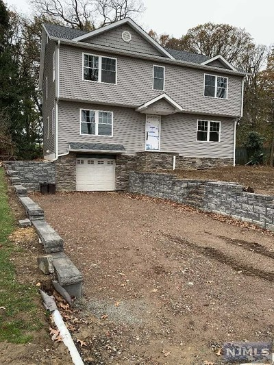 Essex County Single Family Home For Sale: 103 Winding Way