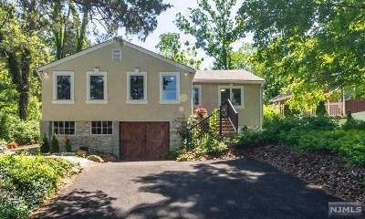 Wayne Single Family Home For Sale: 31 East Lake Trail
