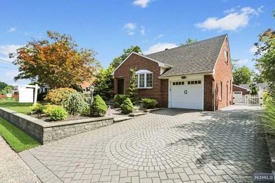 Rochelle Park Single Family Home For Sale: 110 Rochelle Avenue