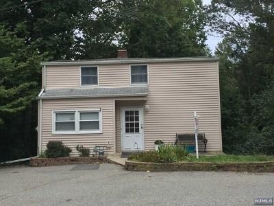 Wayne Single Family Home For Sale: 14 Arbor Road