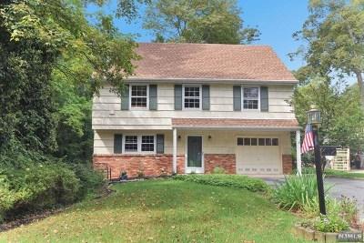 Wayne Single Family Home For Sale: 452 Pines Lake Drive