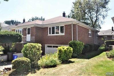 Fort Lee Single Family Home For Sale: 228 Forest Road