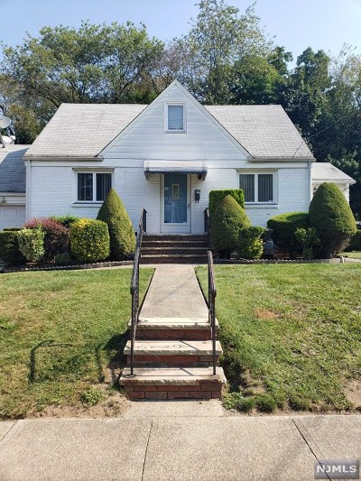 Fair Lawn Single Family Home For Sale: 12-05 20th Street