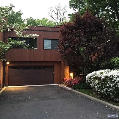 Bergen County Condo/Townhouse For Sale: 8 Daniel Drive