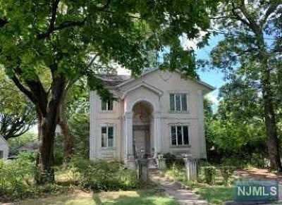 Bergen County Single Family Home For Sale: 163 Magnolia Avenue