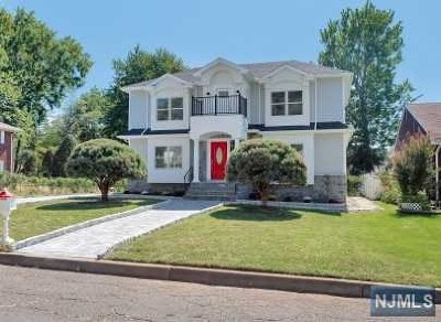 Bergenfield NJ Single Family Home For Sale: $649,900