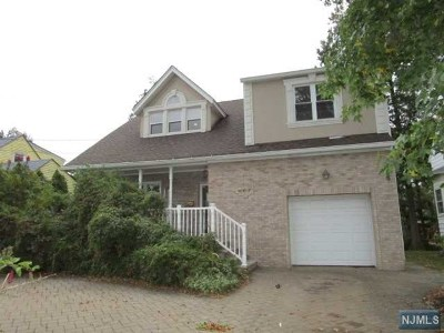 Bergen County Single Family Home For Sale: 867 Summit Avenue