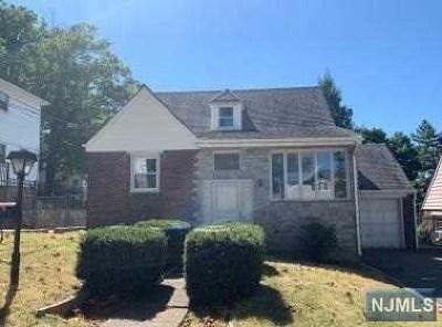 Hackensack Single Family Home For Sale: 397 Sutton Avenue