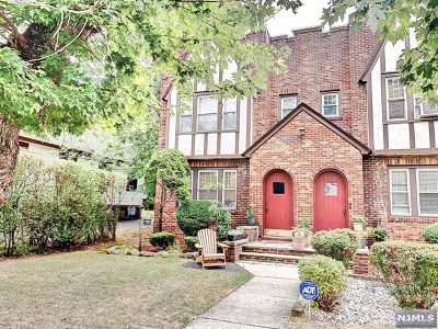Englewood Condo/Townhouse For Sale: 441 Stockton Place