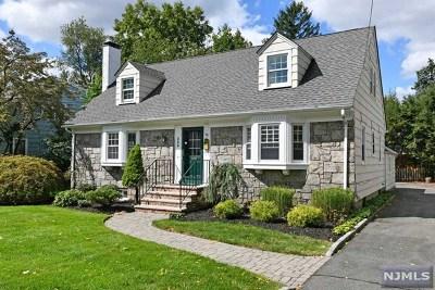 Ridgewood NJ Single Family Home For Sale: $689,000