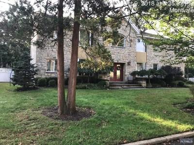 Montvale NJ Single Family Home For Sale: $574,900