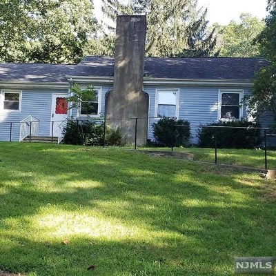 Morris County Single Family Home For Sale: 501 Cotluss Road
