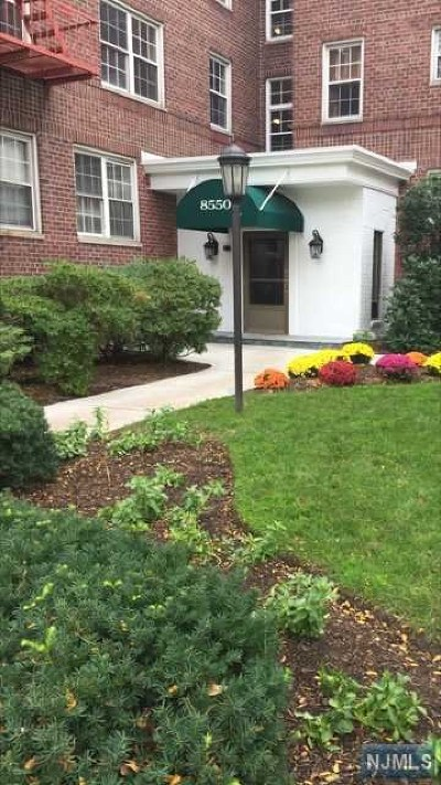 Hudson County Condo/Townhouse Under Contract: 8550 Boulevard East #3g