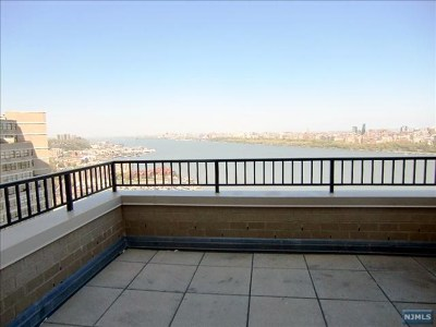 Hudson County Condo/Townhouse Under Contract: 7002 Boulevard East #43a