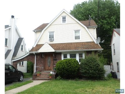 Teaneck Single Family Home Under Contract: 979 Belle Avenue