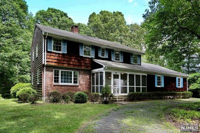 Franklin Lakes Single Family Home Under Contract: 249 Mulberry Way