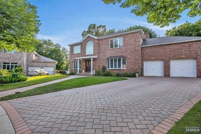 Paramus Single Family Home Under Contract: 505 Highland Court