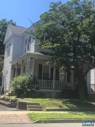 Hawthorne Multi Family 2-4 Under Contract: 90 3rd Avenue