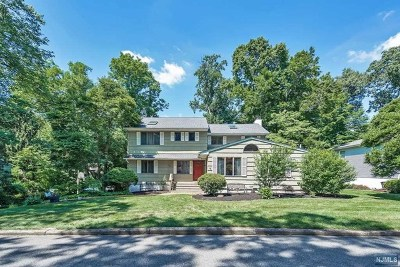 Passaic County Single Family Home Under Contract: 120 Iroquois Trail