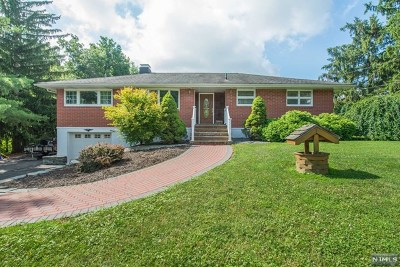 West Milford Single Family Home Under Contract: 16 Adelaide Terrace