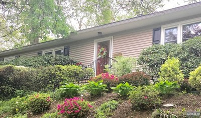 Oradell Single Family Home Under Contract: 662 Ellen Place