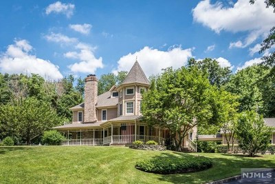 Franklin Lakes Single Family Home Under Contract: 733 Tegawitha Way