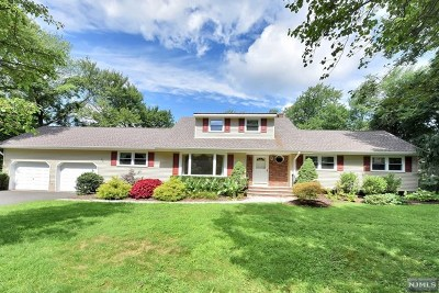 Woodcliff Lake Single Family Home Under Contract: 22 Thomas Court