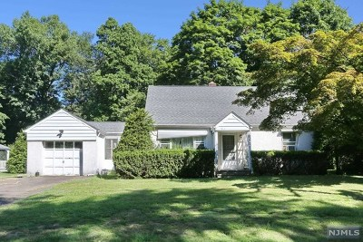 Wyckoff Single Family Home Under Contract: 739 Mountain Avenue