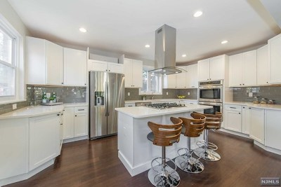 Englewood Single Family Home Under Contract: 272 West Ivy Lane